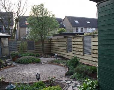 Aanleg schutting en tuin in Roelofarendsveen